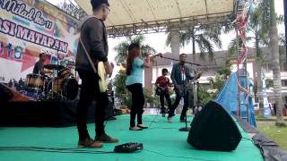 Cover Utopia - hujan by ( Inflasi band )