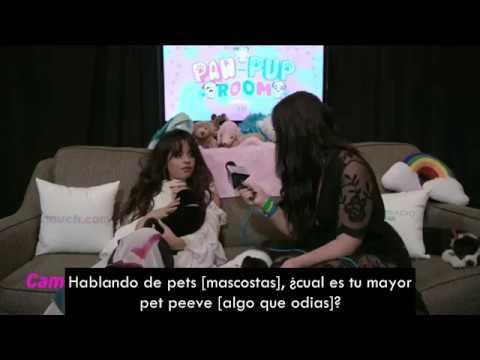 Camila Cabello con cachorros en los MMVAs [Subtitulado]