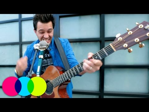 """Andy Grammer performing """"Sunday Morning"""" 