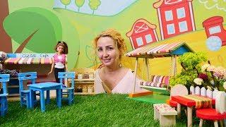 Özge'nin kafesinde yaz bahçesi açılıyor. Barbie oyunu
