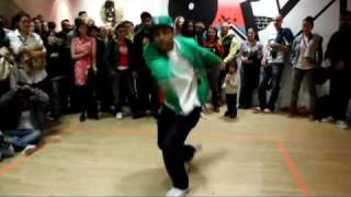 Pop-C & Diva-J   Jamming at Breakin Convention 2010 (w/ Plague)