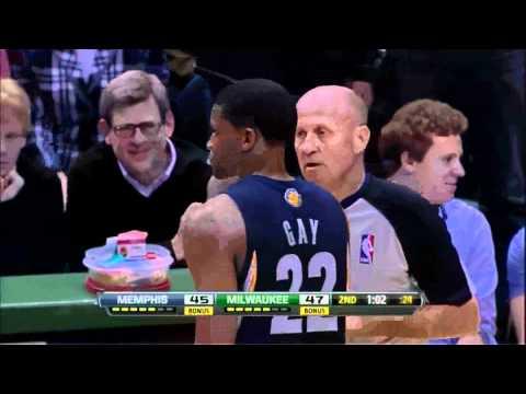 Brandon Jennings Trick Shots vs Grizzlies.avi