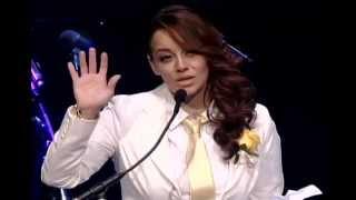 Mensaje de fe de Rosie Rivera en funeral de Jenni