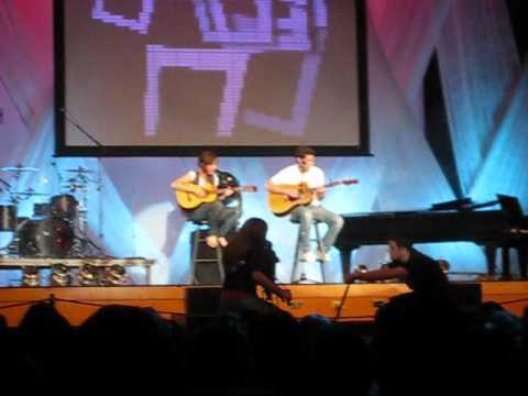 Tandedo Performing Boi Cover - by Idan Raichel