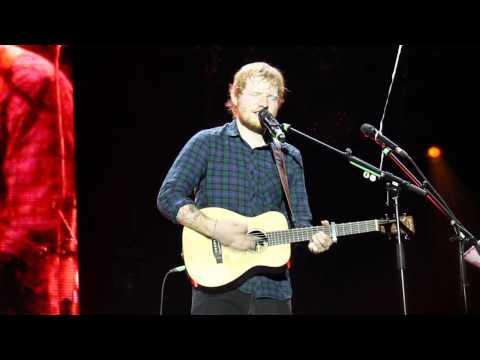 Ed Sheeran - I See Fire (X Tour - Tallinn, 17/02/2015)