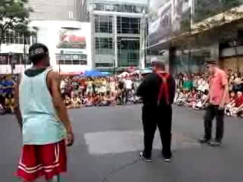 7/8 #BuskerFest #Toronto 2015: USA Break Dancers dot com trio (NYC) -SunAug30.