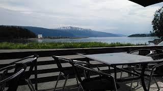 Вид с террасы кафе - бара на фьорд.