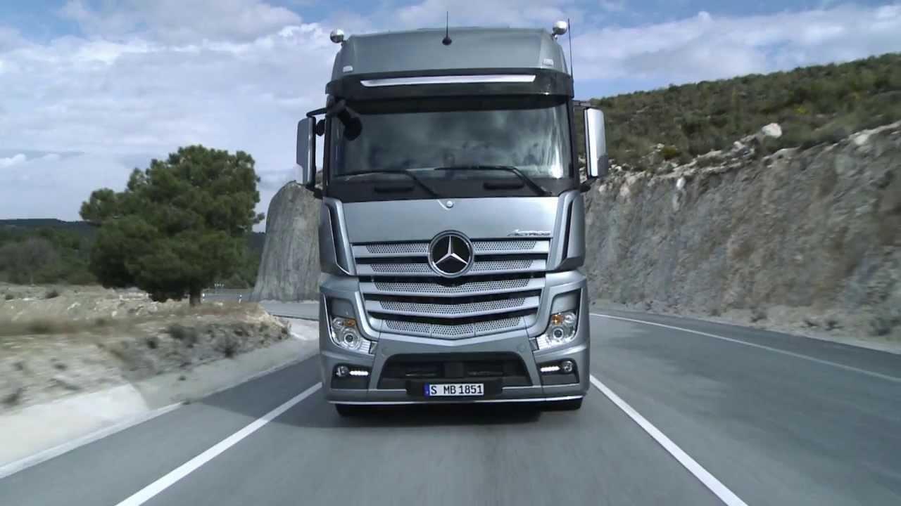 Truck Mercedes Benz Actros >> Mercedes Actros Euro 6 with Predictive Powertrain Control FR - YouTube