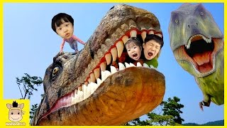 Indoor Playground Fun for Kid Finger Family Play Slide Dinosaurs Caught On Tape | MariAndKids Toys