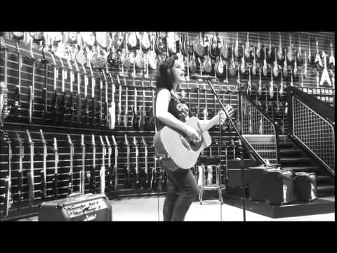 Louise Distras live at Dawsons Guitar Shop in Reading