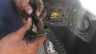 Замена пружины лючка топливного бака Lexus RX 300 (1999 г.в.)