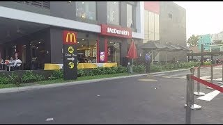 McDonalds Drive Thru Saigon / Ho Chi Minh City
