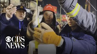 Trapped Chinese miners ask for food