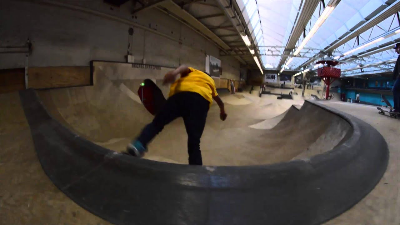 f85bd43a049 Curb Skatetrips: Area 51 Skatepark , Eindhoven 2015 - YouTube