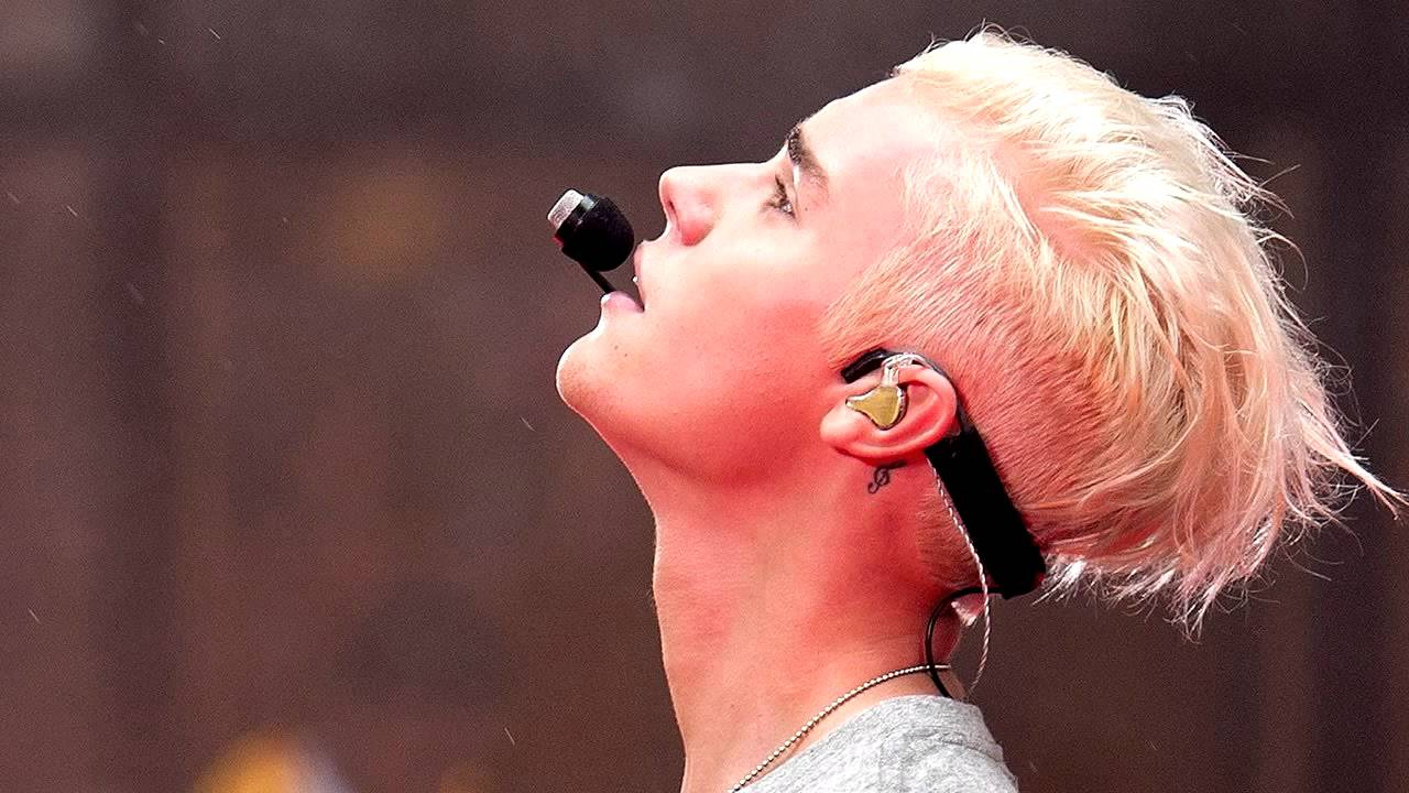 Justin Bieber - Hotline Bling (Remix) + Lyrics (Official Audio)