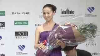 俳優、佐藤隆太(31)と女優、檀れい(40)が25日、フォーマルウ...