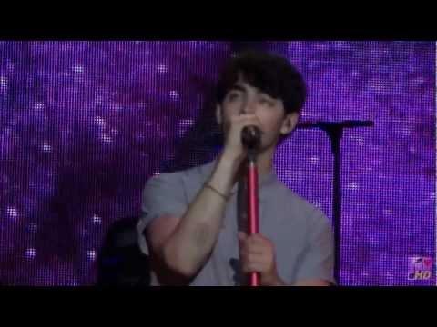 Jonas Brothers - Hello Beautiful ( Sofia tribute) ( Cordoba, Argentina, Personal Fest 2013 )