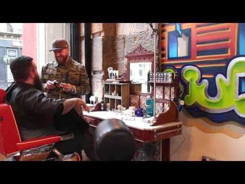 larry the barberman interviews stephen at house martin barbers glasgow funnydog tv. Black Bedroom Furniture Sets. Home Design Ideas