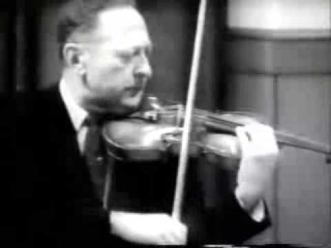 Хейфец показывает, как не надо играть на скрипке