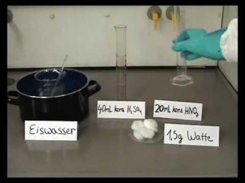 Laborversuch: Herstellung von Schießbaumwolle
