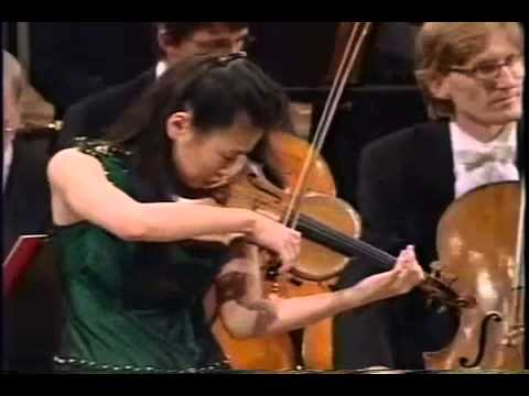 Midori Goto plays Tchaikovsky Violin Concerto 1stMovement part2