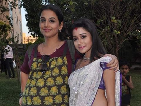 Vidya Balan with Ichcha Aka Tina Dutta on the Sets of Uttaran