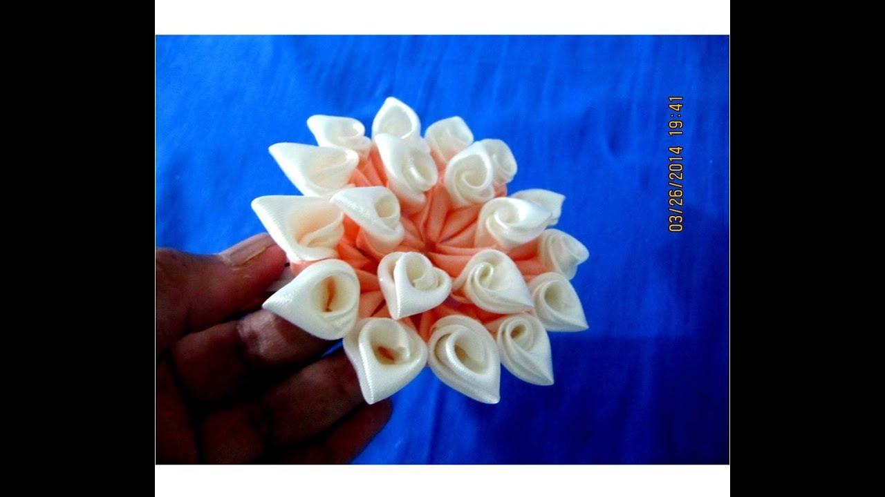 Flores kanzashi hermosos p talos de dos colores en cintas - Sofas de dos colores ...