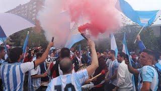 Banderazo en Barcelona, a puro color argentino