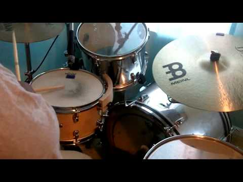 Bishop T.D Jakes Presents Woman Thou Art Loosed Worship 2002 - Holy, Holy, Holy (Drum Cover)