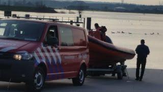 Omgeslagen kanovaarder op IJssel bij Zwolle Zuid gered