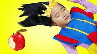 수지와 엄마의 백설공주 이야기 공주드레스 장난감 놀이 Suji Pretend Play the Snow White for Kids