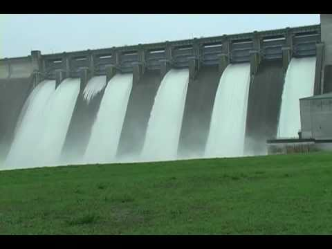 Table Rock Dam gates open-round 2