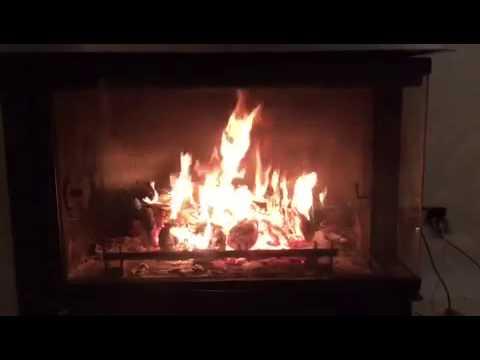 Fuego de chimenea que calienta el agua para la calefacci n - Fuego decorativo para chimeneas ...