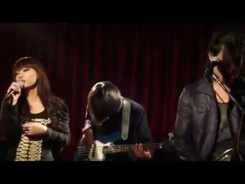 THE_AIU - Musnah (Live)