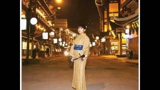 album: 歌さがし~アジアの風 (2010) 詞:友利歩未 曲:翁清溪 見上げた...