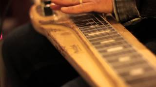 The Record Company - Roll Bones (Living Room Concert)