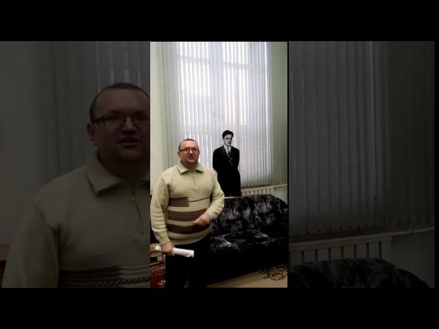 Изображение предпросмотра прочтения – АндрейВласов читает произведение «Неоконченное» В.В.Маяковского
