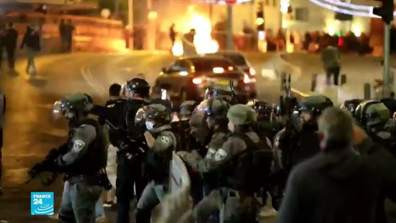 أكثر من 100 جريح في مواجهات بين الشرطة الإسرائيلية وفلسطينيين في القدس  - 16:00-2021 / 4 / 23