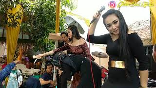 Panganten Anyar menggoyang bos Cianjur || live show @ Sapurendeng Sumedang