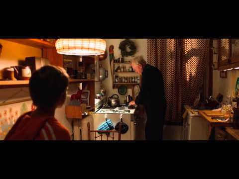 Extremely Loud And Incredibly Close Behind-The-Scenes