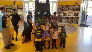 LEGO BATMAN Goes HUNTING At The BEST LEGO STORE for FREE LEGO BATMAN THE MOVIE LEGOS! FREE LEGOS??!!