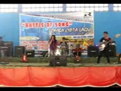 live perform NICE DREAM BAND