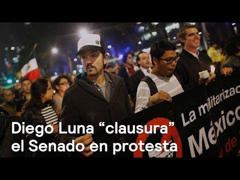 """Diego Luna """"clausura"""" el Senado en protesta - Política - En Punto con Denise Maerker"""