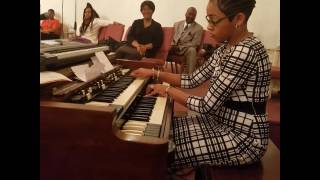 Dominique Johnson Blesses Us with Hymns on the Hammond B3 Organ (5/19/17)