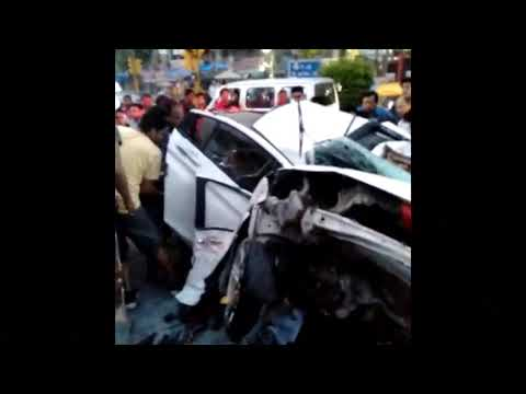 JWALA HERI CAR HONDA CITY CRASHED DELHI MINUTE BEFORE SNAPCHAT AND NEXT MINUTE