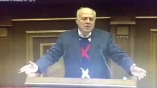 Արտաշես Գեղամյանը շփոթեց Սերժ Սարգսյանի ազգանունը