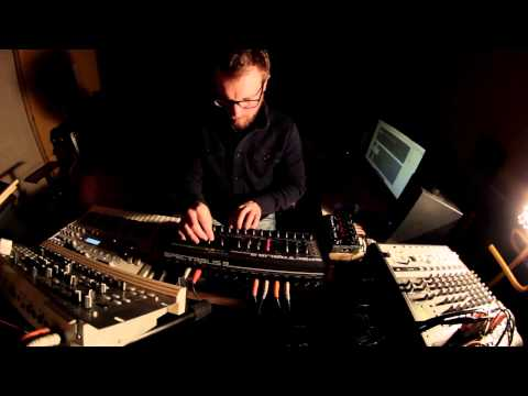 Unfold: MIDERA; Radikal Technologies Spectralis 2 Acid track with Eventide Space