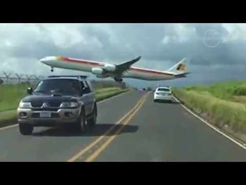 Footage: Iberia flight 6313 makes frightening low landing in Costa Rica