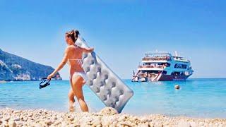 Lefkada - Porto Katsiki Beach(Porto Katsiki beach is located in the southwest of the island of Lefkada. Advantages: very beautiful, natural shadow, restaurant