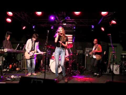 ''EVERYWHERE I GO''  STEREO JANE,  live @ Callahan's, Jan 2015